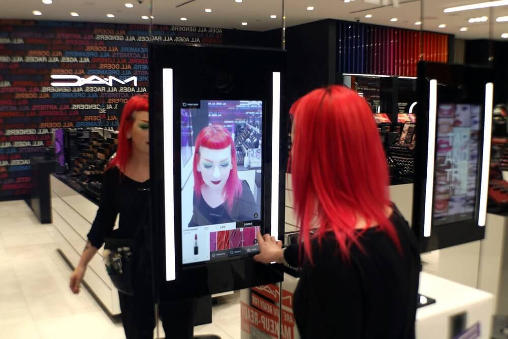 MAC virtual try on in-store